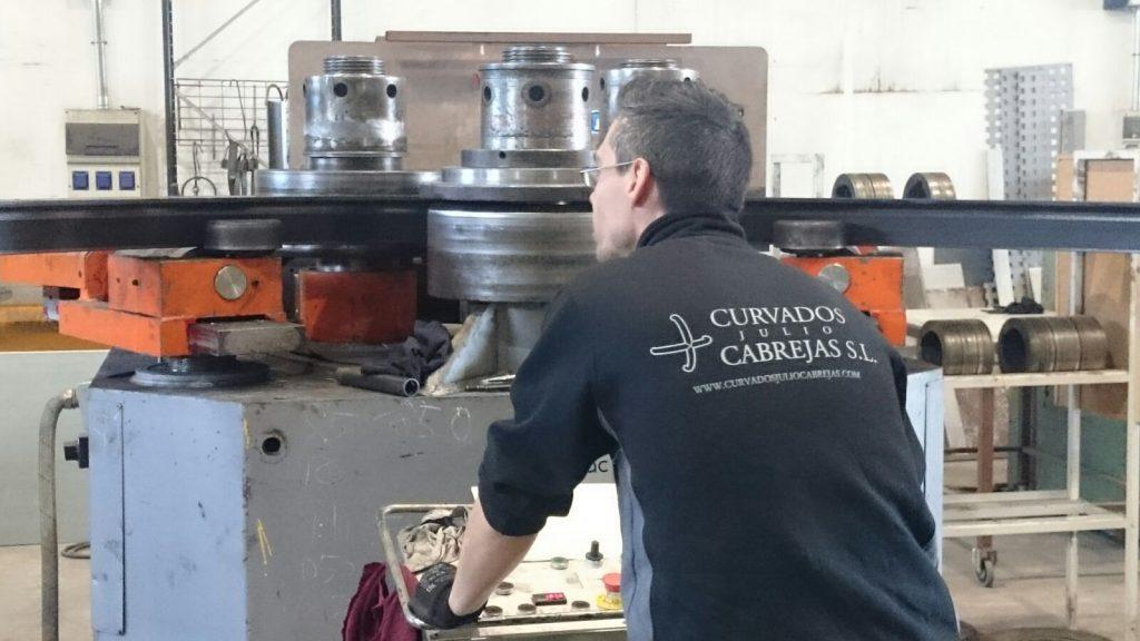 trabajador-curvados-julio-cabrejas