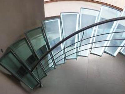 escalera-tubo-curvado-acero-inoxidable-julio-cabrejas